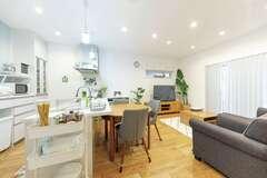 家具もついて定額制! 心地よさまでデザインされたシンプルハウス