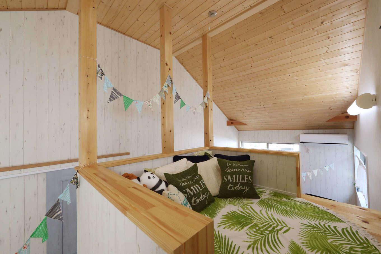 日本住建【デザイン住宅、和風、間取り】子ども部屋の中央にあるウォークインクローゼットは、上部がロフトになっているのもポイント