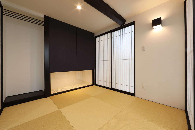 日本住建【デザイン住宅、和風、間取り】床の間の横に坪庭をつくるなど、和室にはKさん夫妻のこだわりがたっぷり詰まっている