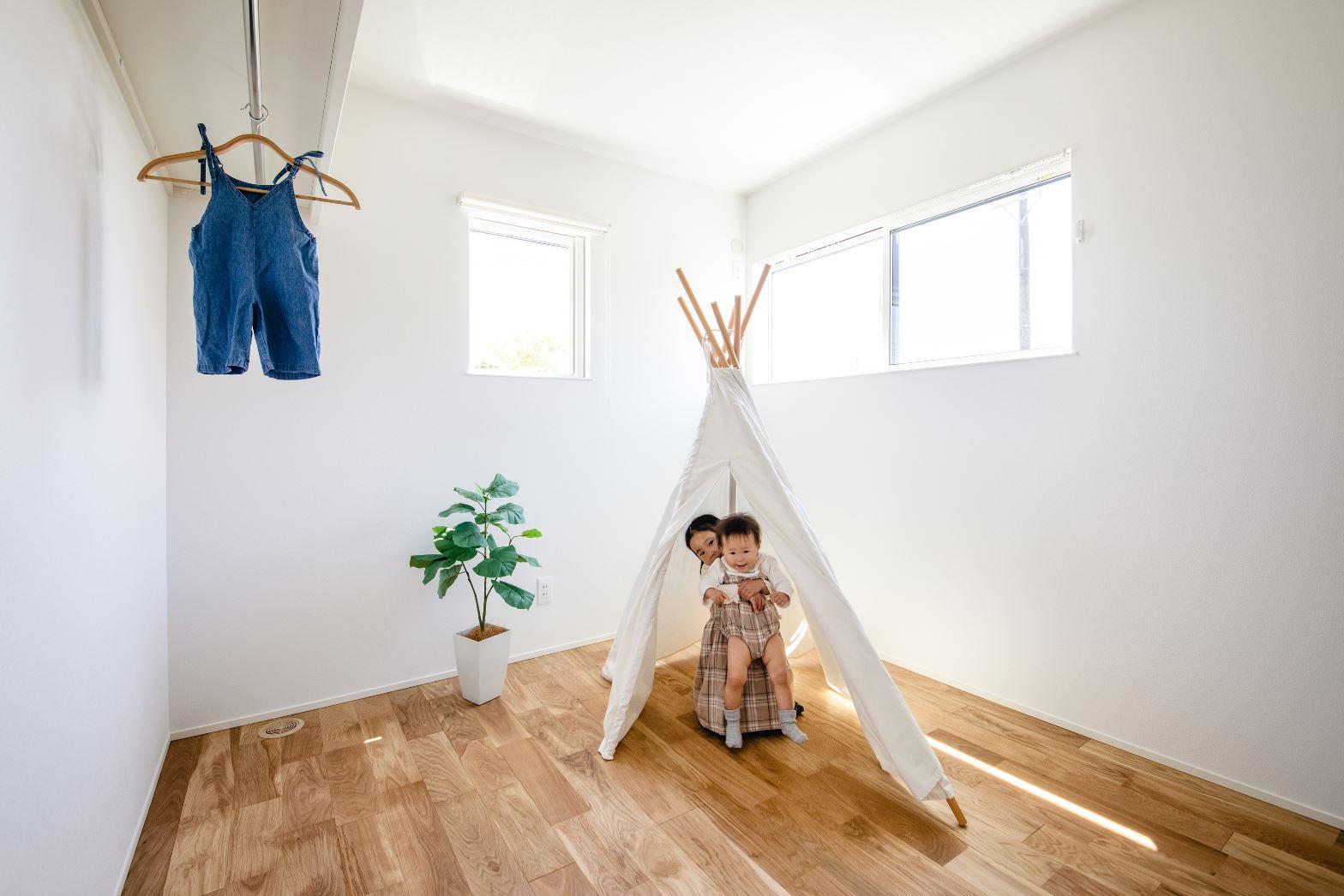 S.CONNECT(エスコネクト)【デザイン住宅、収納力、間取り】こども部屋の収納は扉を設けないことで、空間をより広く感じることができる