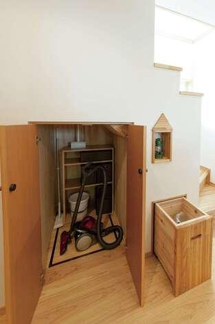 デットスペースを生かした収納とオリジナル家具も注目