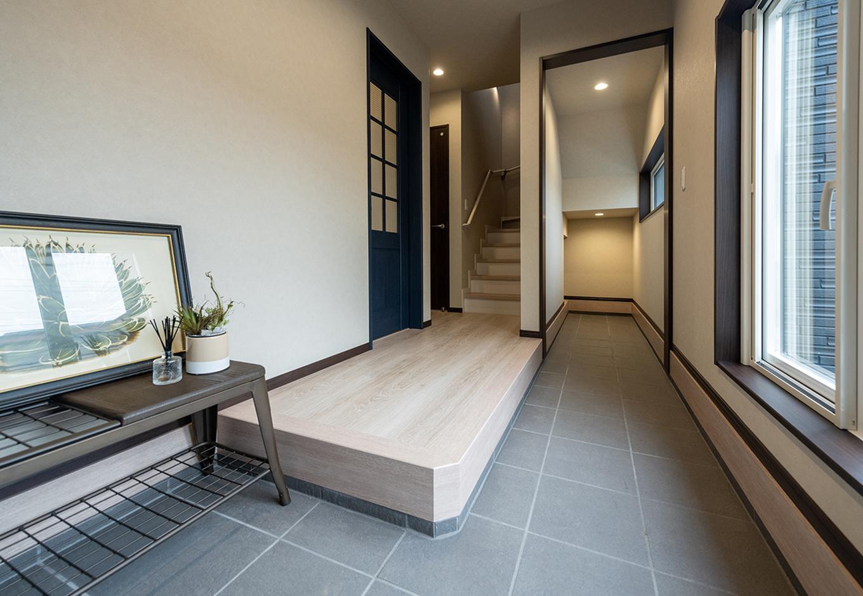 渡辺建設(ワタケンホーム)【裾野市茶畑498-29・モデルハウス】土間に置きたいモノって、靴だけじゃない。ベビーカー、ガーデニング道具など・・・屋外で使うものは結構多いから、室内に上げずにすむ土間収納が便利