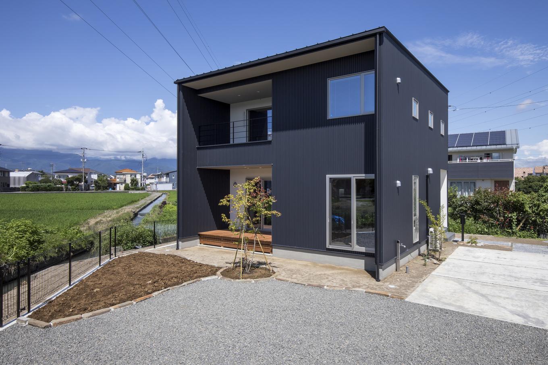 あめみや工務店【デザイン住宅、省エネ、インテリア】四角いシンプルなデザインの外観でかっこよさを演出