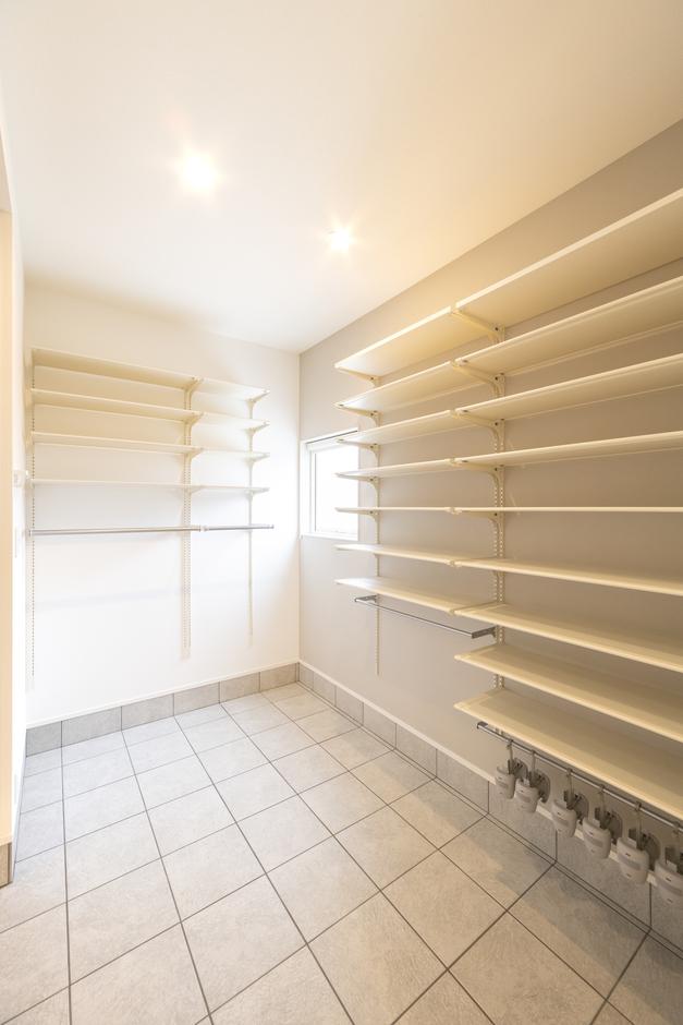 あめみや工務店【1000万円台】土間収納はキッチンに直結。荷物の運び入れに便利