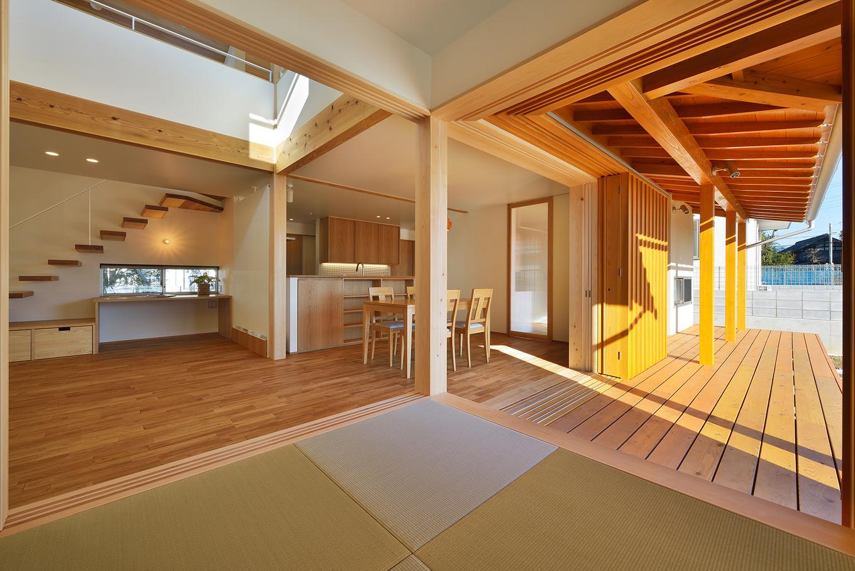 深澤工務所【子育て、間取り、建築家】和室も窓や襖を開ければ、LDKやデッキ・庭とひとつながりに