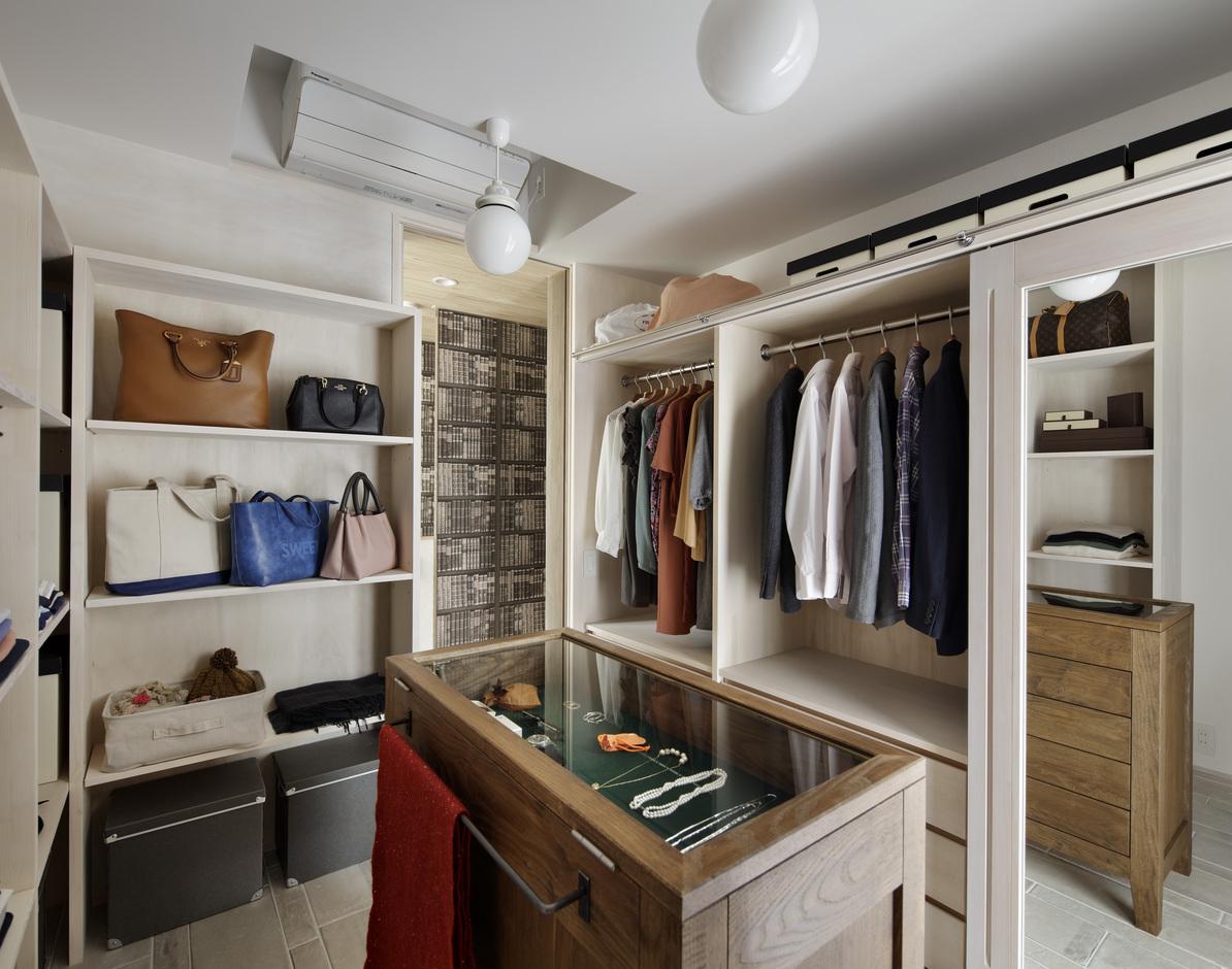 KESHIKI YAMANASHI【デザイン住宅、高級住宅、間取り】まるでブティックのようなドレススペース