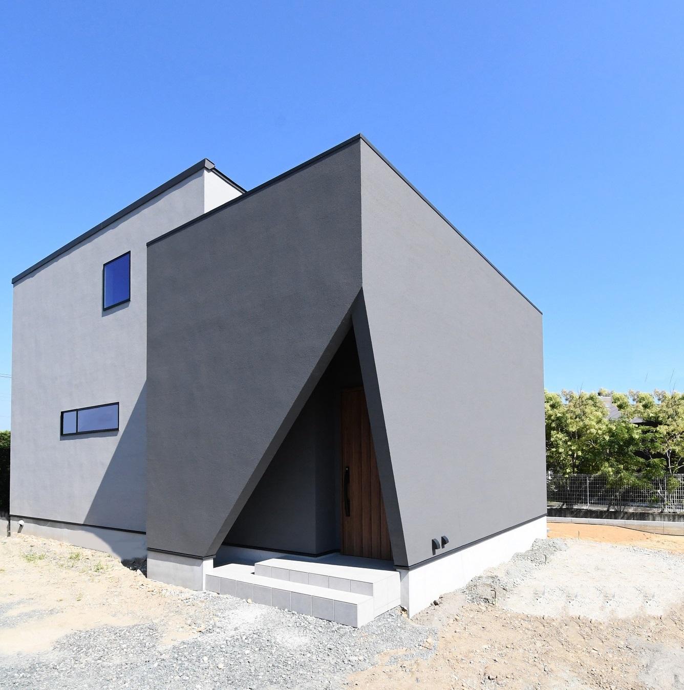 完成現場見学会開催中!『光がとおり抜けるデザインと暮らしの家』