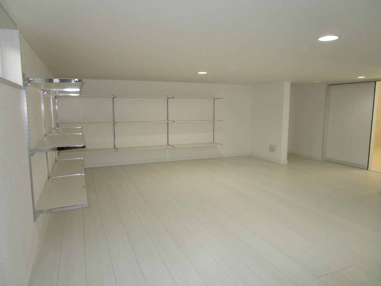 志村建設【1000万円台、デザイン住宅、子育て】まるで隠し部屋のような、大型の収納