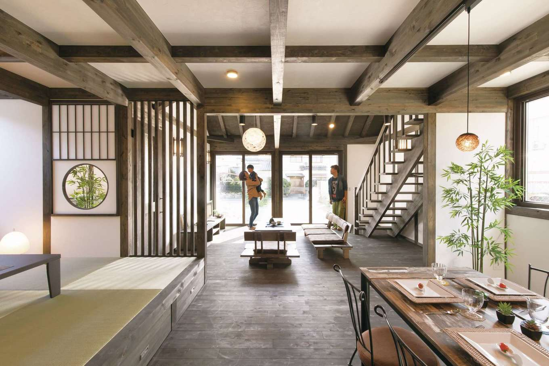 サイエンスホーム甲府店・笛吹店【1000万円台、デザイン住宅、自然素材】高級旅館のような風情がただようLDK。奥に向かうに連れて視界が徐々に開けていくことで、より開放感を味わうことができる
