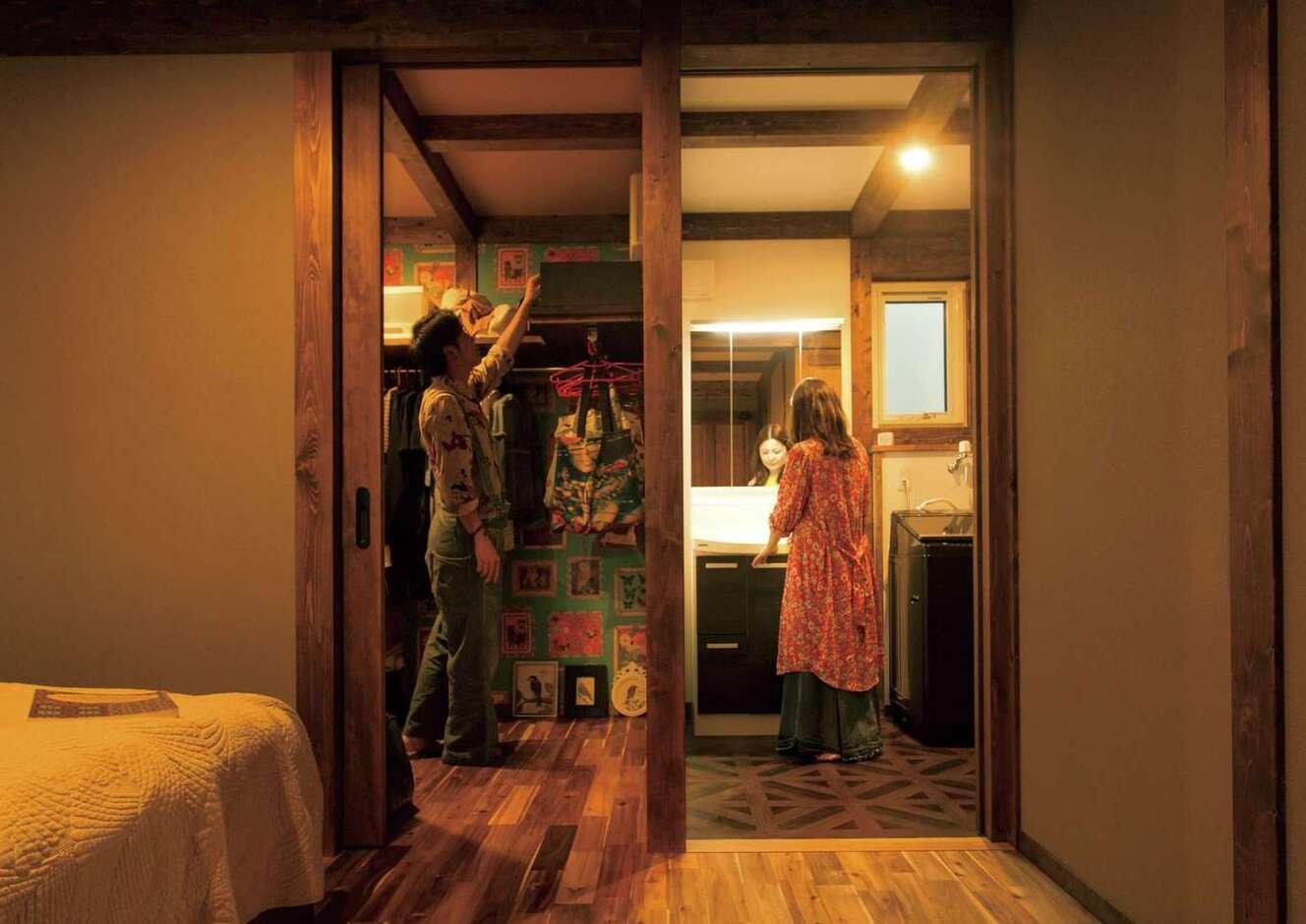 サイエンスホーム甲府店・笛吹店【デザイン住宅、趣味、自然素材】主寝室からウォークインクローゼット、サニタリーへつながる短い動線は、30年後も快適に暮らせる