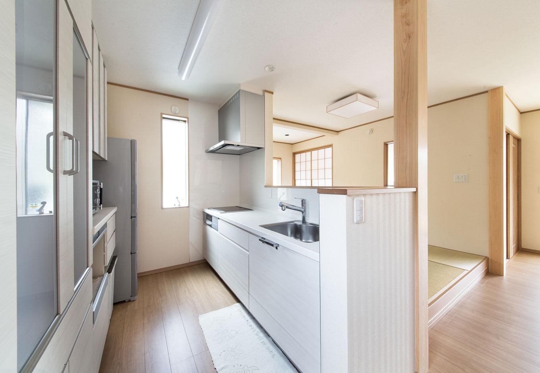 子育て安心住宅【1000万円台、和風、平屋】『子育て安心住宅』では、キッチン・バス・洗面・トイレなどの水回り設備も幅広くラインナップ。標準仕様が充実していて、注文住宅ならではの自由度の高い家づくりを楽しめる