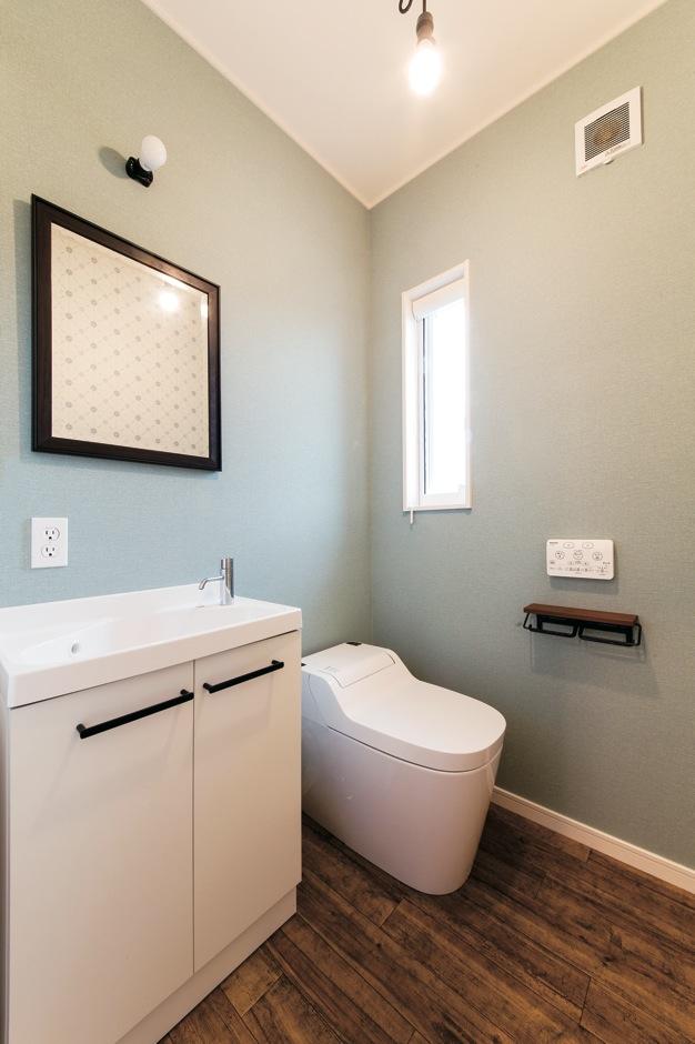 車椅子対応の広いトイレ