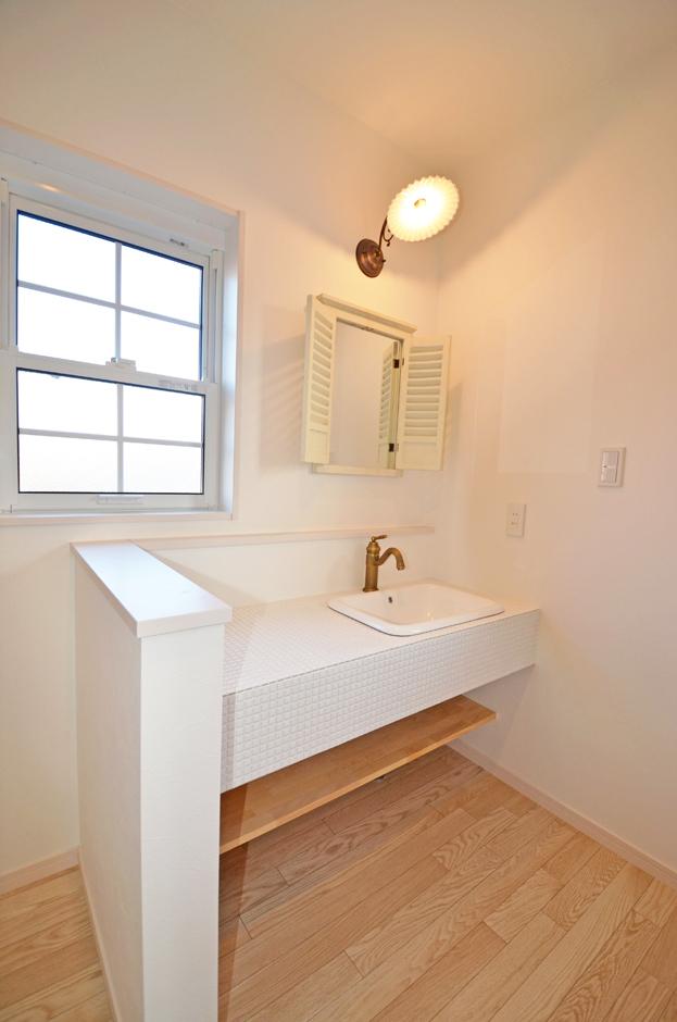 ティアラホームスタイル【1000万円台、デザイン住宅、間取り】洗濯をする時の導線が全て2階で完結するから、毎日繰り返すお洗濯の負担もこれでグーンと軽減