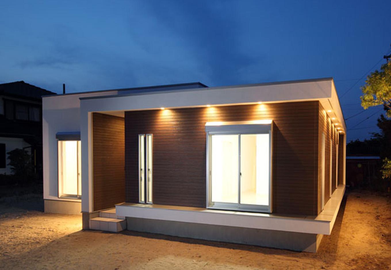ティアラホームスタイル【1000万円台、デザイン住宅、間取り】ブラウンのハコはグルっと回った間接照明が特徴