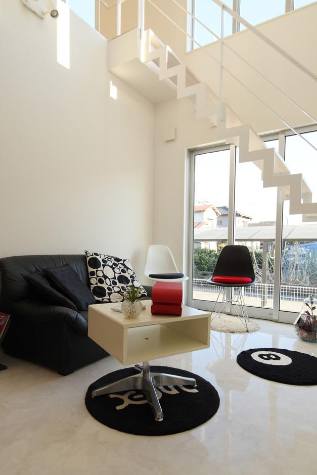 ティアラホームスタイル【1000万円台、デザイン住宅、間取り】階段下には開けたリビング