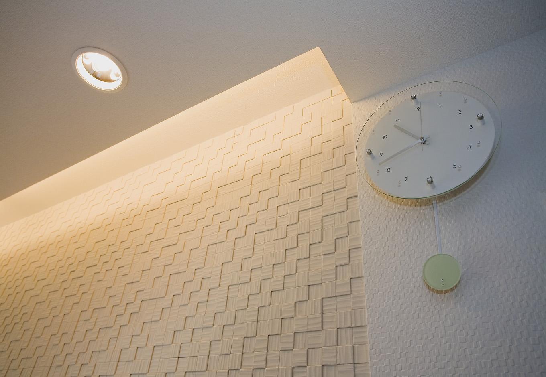 ティアラホームスタイル【1000万円台、デザイン住宅、間取り】リビングの間接照明が、温かみのある空間を演出
