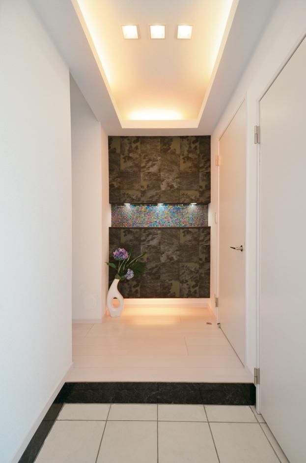 玄関に大きなシューズクロークがあるから、急な来客でもスッキリとした状態を保てる