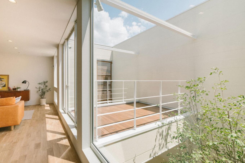 ienowa【デザイン住宅、間取り、インテリア】プライベートなバルコニー、中庭空間
