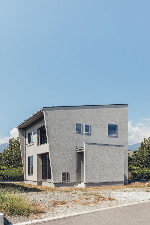 ienowa【デザイン住宅、間取り、インテリア】存在感のある外観デザイン