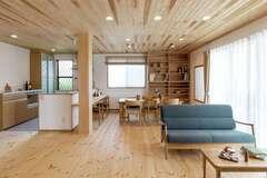 夏でも涼しくさわやかな 天然木と珪藻土の家