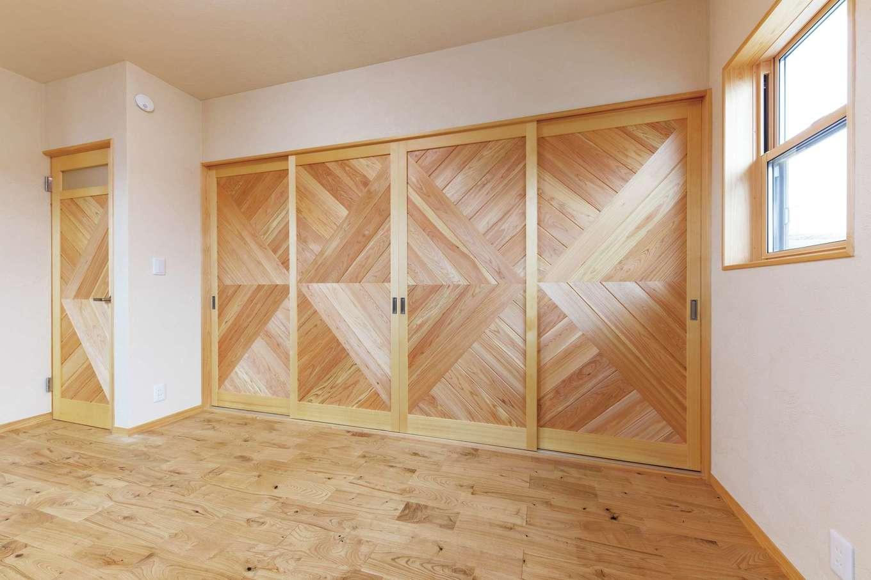 藤田工務店【和風、自然素材、省エネ】造作建具・窓枠はすべて標準仕様。建具はさまざまなデザインがあり、部屋ごとに選べる