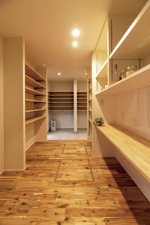 HOUSE PLAN(R+house沼津・伊東)【デザイン住宅、間取り、建築家】収納たっぷりの土間玄関