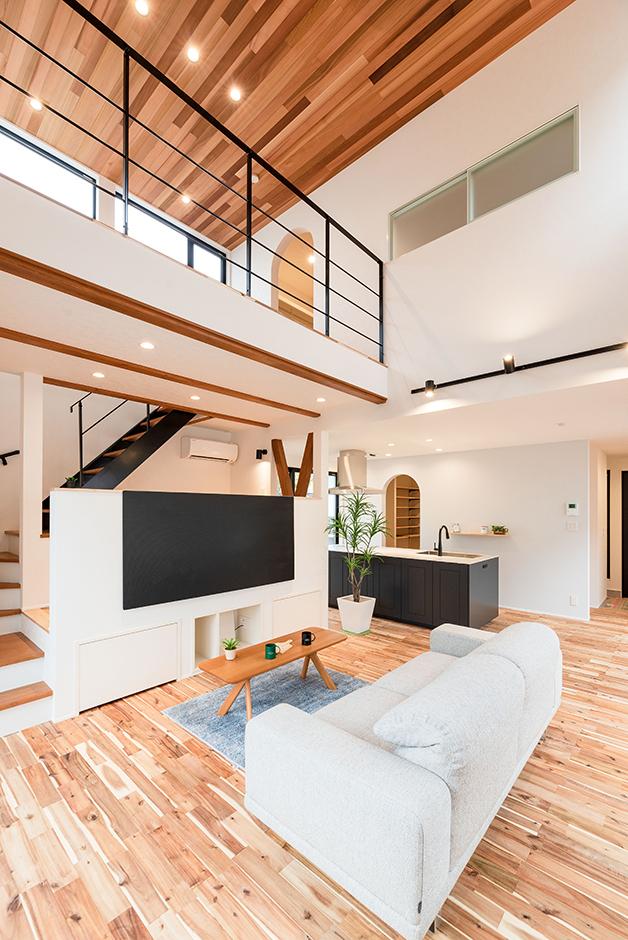 HOUSE PLAN(R+house沼津・伊東)【デザイン住宅、間取り、建築家】空中廊下のあるダイナミックな吹抜けのLDK