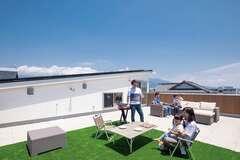 屋上庭園+全館空調システムで 健やかな二世帯エコライフを実現