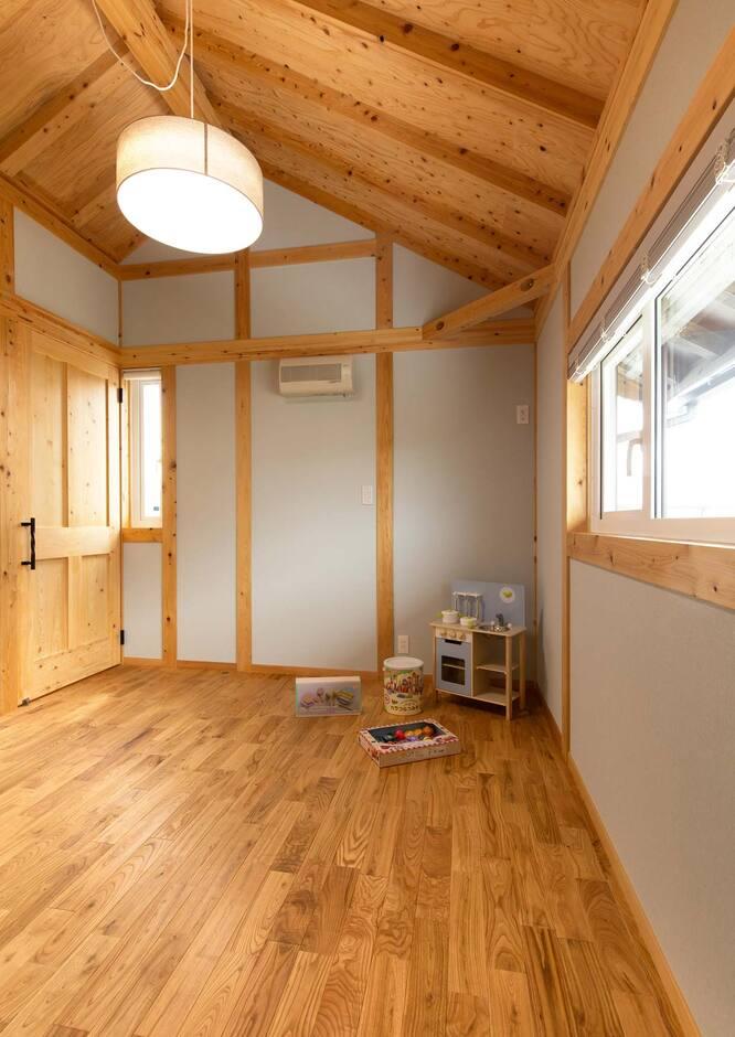 サイエンスホーム山梨【甲府市中町3-15・モデルハウス】一種換気の標準装備により結露を防ぎ、常に室内の空気をキレイに保つ