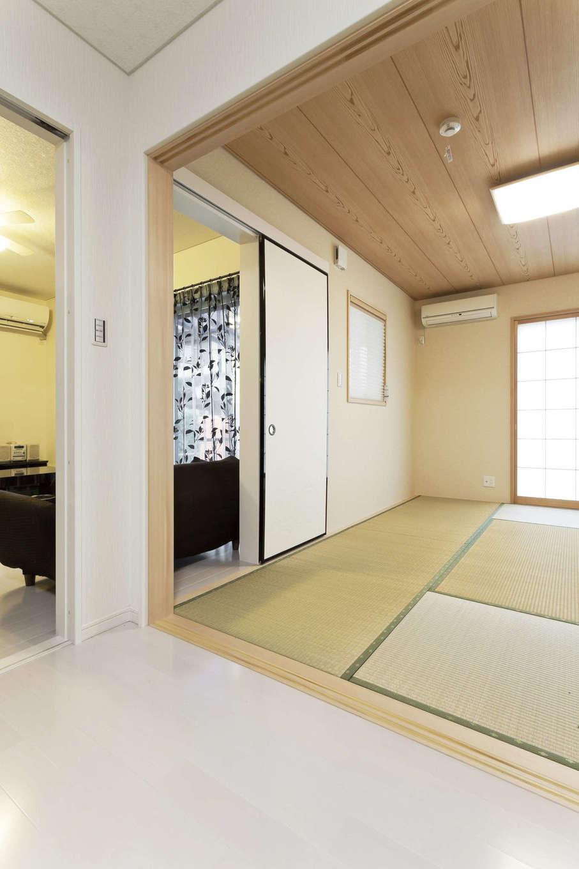吉川住建【収納力、二世帯住宅、省エネ】リビングと隣接した和室は、将来、両親と同居するため備えとして配置