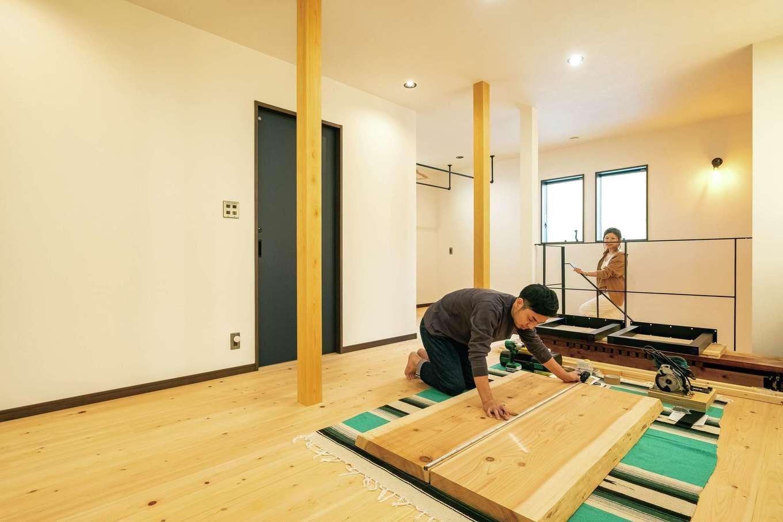 エムデカーサ/WOODBOX富士【デザイン住宅、自然素材、間取り】2階は家族構成と暮らし方の変化によってアレンジ可能。奥にはランドリーコーナーを配置