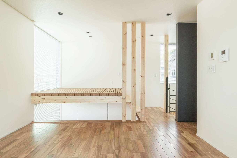 R+house静岡葵・静岡駿河(住宅工房コイズミ)【デザイン住宅、子育て、建築家】土間の上部は格子の床を設けてフリースペースとして活用