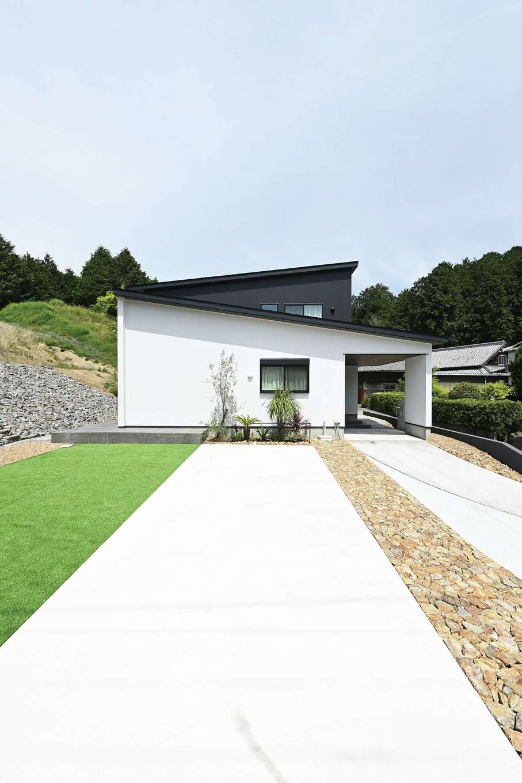 アイフルホーム 掛川店【デザイン住宅、省エネ、間取り】果樹園だった農地を転用し、造成工事から開始。庭は友人の外構店に依頼し、家族で石積みを手伝った