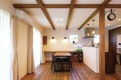 オール漆喰&無垢の家を総額2200万円で実現!