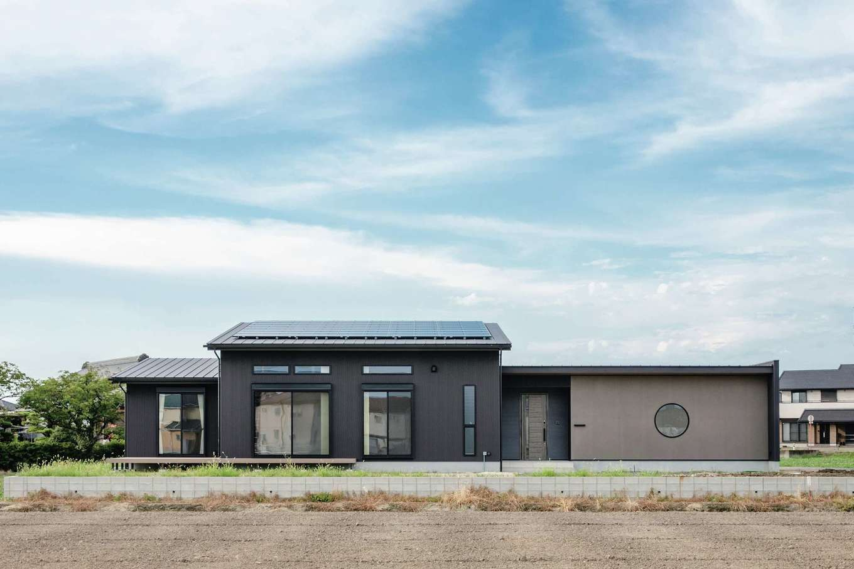 未来創建【デザイン住宅、省エネ、平屋】引き違い窓が5か所あるにも関わらず、C値0.8という高気密なZEHの住まい。