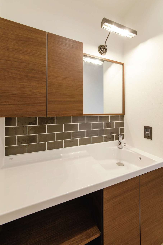 未来創建【デザイン住宅、省エネ、平屋】並んで使える広い洗面スペース