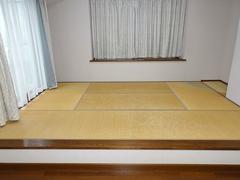 リビングの一角にあった小上がりの畳スペース