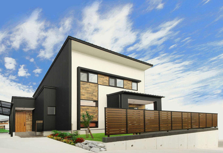 illi-to design 鳥居建設21【デザイン住宅、省エネ、インテリア】3つの箱が寄り添うようにデザインされた外観。Lの字の庇がアクセントに