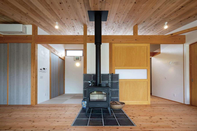 建杜 KENT(大栄工業)【自然素材、建築家、平屋】冬は薪ストーブが家中をぽかぽかに保つ