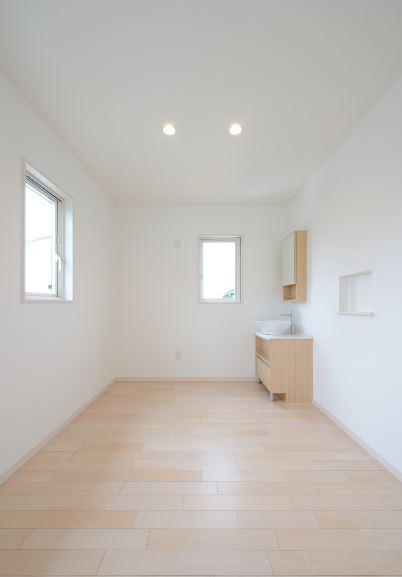 ユニバーサルホーム(浜松東店・掛川店)【デザイン住宅、収納力、ペット】2階にはネコ専用の洗面台を設置