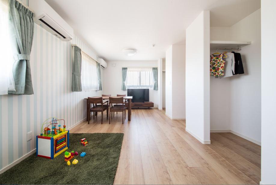 子ども部屋は将来的には壁をつけて二つに区切る予定