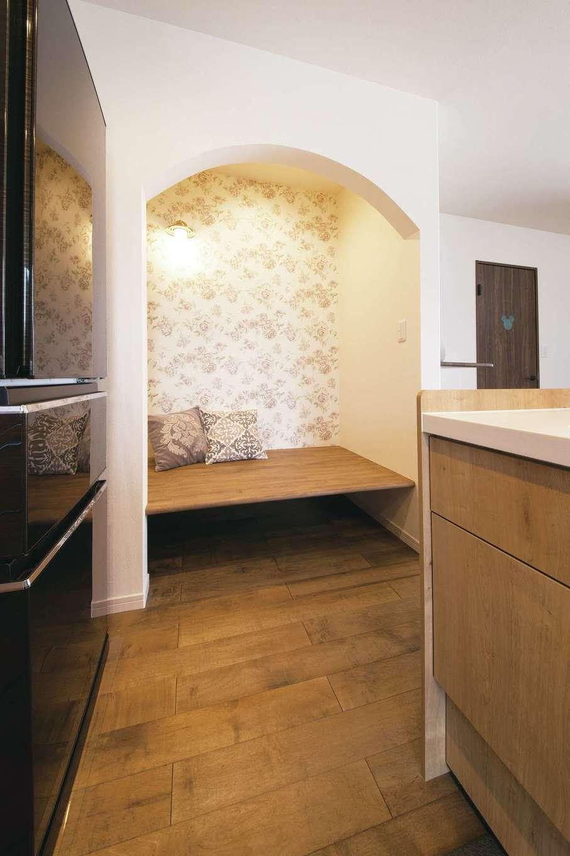 ユニバーサルホーム(浜松東店・掛川店)【デザイン住宅、自然素材、間取り】おこもりスペース「ヌック」は、将来子どものお昼寝スペースにも使えそう
