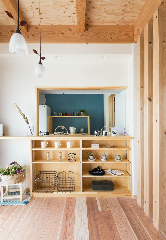 野本建築【収納力、自然素材、間取り】造作収納が便利なカウンターキッチン