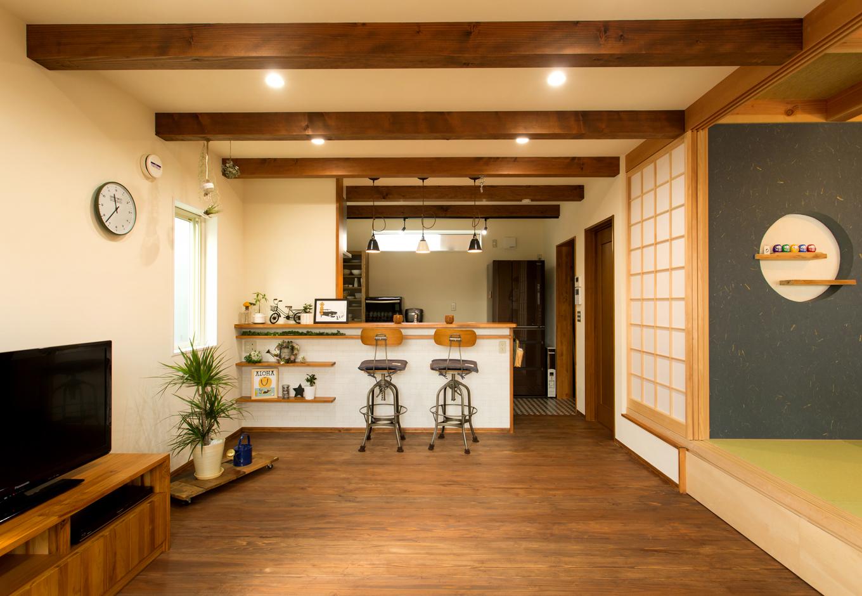 野本建築【デザイン住宅、省エネ、間取り】LDKと和室はつながった一つの空間。時にはリビングで、時には和室でくつろぎを
