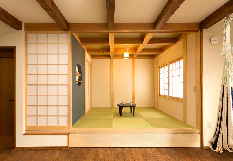 和室はご主人のこだわり 和紙の壁紙が良いアクセントに イエタテ