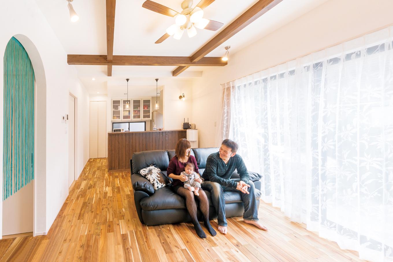 1,300万円台で夢を叶えたカフェスタイルの木の家