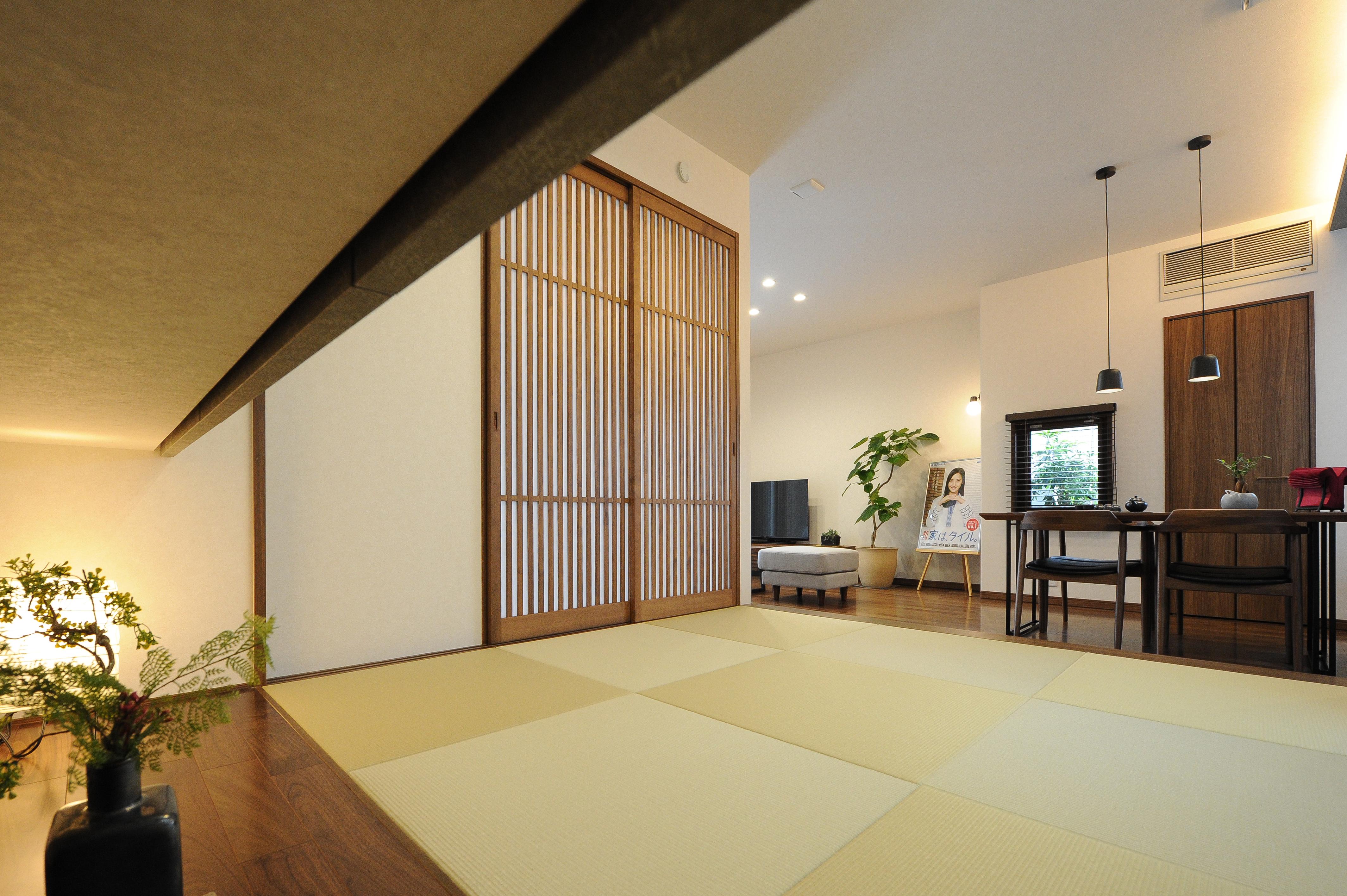 外壁タイルの住まい『外と中のつながりを演出した空間設計』~三島のモデルハウス☆