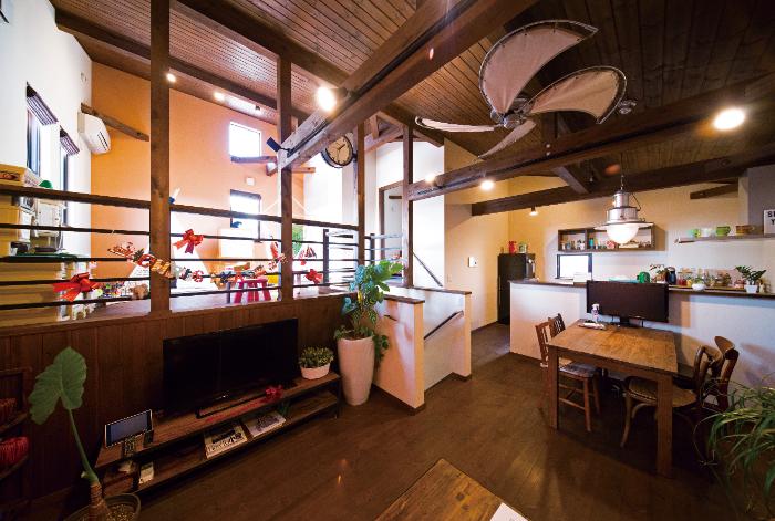 BinO清水 ブルーワン【1000万円台、自然素材、スキップフロア】限られたスペースでも空間を上手に利用したデザインだから、 いつでも開放的でコミュニケーションがとることができる