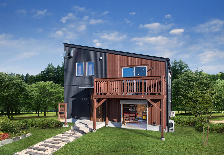 BinO清水 ブルーワン【1000万円台、自然素材、スキップフロア】オシャレな斜め屋根に自然を感じるウッドデッキも大人気。 場所を選ばないシンプルデザイン