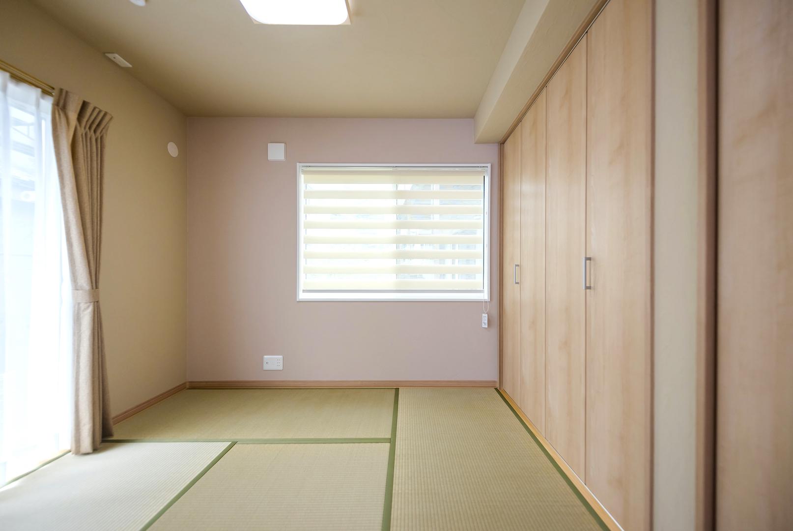 Art Wood Home (永建)【省エネ、収納力、インテリア】色の違いが楽しい和室。同じ珪藻土でも異なった表情を出せる